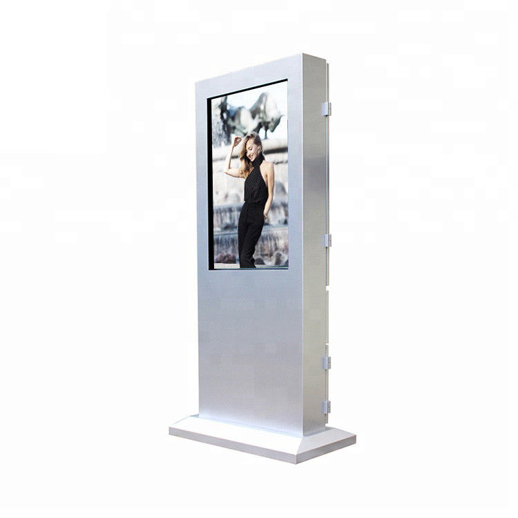 Waterproof Bus Stop Digital Signage Ultra High Grey Level Support Multi Language